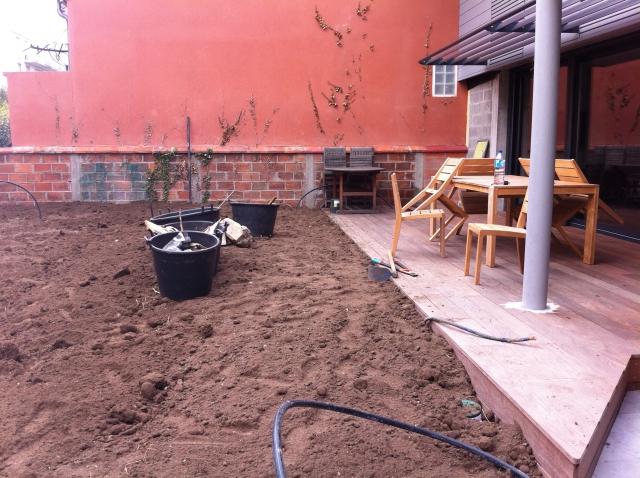 cr ation de pelouse et gazon nantes semi et pose. Black Bedroom Furniture Sets. Home Design Ideas